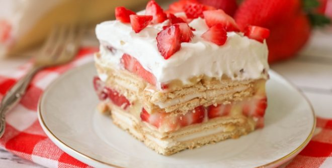 The Satisfying Feeling of Learning how to Bake a Strawberry Cake